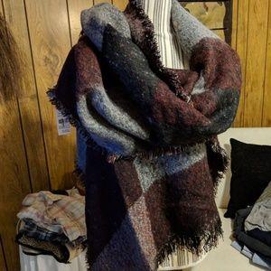 Oversize scarf nwt
